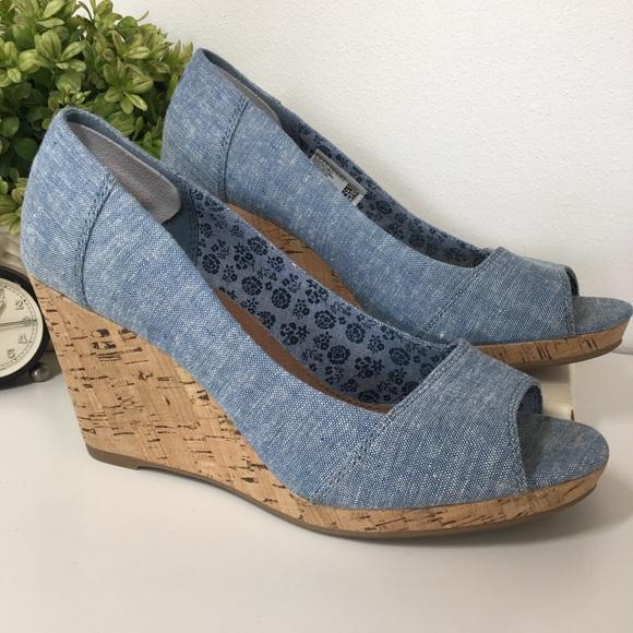 40e51fa1ce7 Toms Shoes - TOMS Calypso Peep Toe Wedge Heels size 8 like NEW